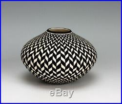 Acoma Pueblo Native American Indian Pottery Eyedazzler Jar #1 Paula Estevan