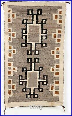 Early 20th Century Crystal Wool Native American Indian Navajo Rug