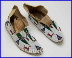 Native American Sioux style suede Leather Indian Beaded Cheyenne Moccasins M601