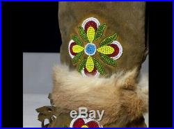 Old Vtg Native American Cree or Ojibwa Indian Beaded Gloves Gauntlets Beadwork