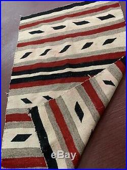 Vintage native american textile weaving Navajo indian rug 43 x 27 antique
