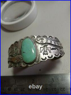 WOW Pawn RARE ZUNI STERLING TURQUOISE WITH SCALLOPED CUFF HAND MADE SNAKES
